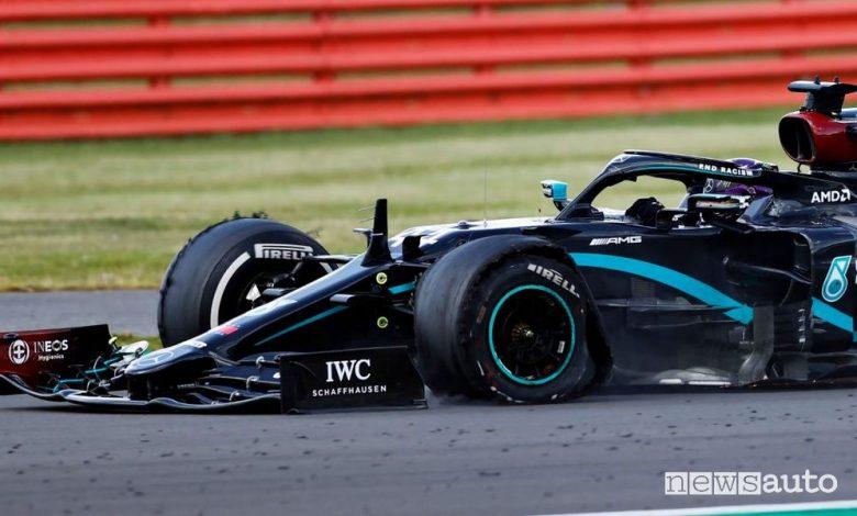 F1 Gp Gran Bretagna 2020, vince Hamilton su tre ruote