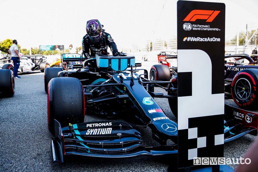 Pole position Lewis Hamilton qualifiche gp spagna f1 2020