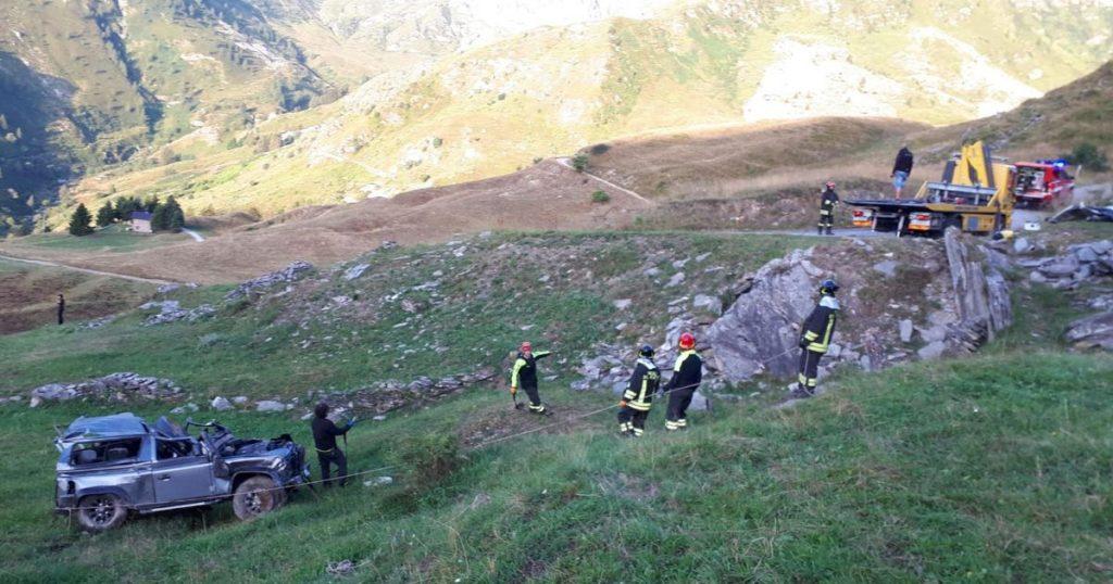Il burrone dove è finito il Defender nell'incidente avvenuto in Piemonte a Cuneo