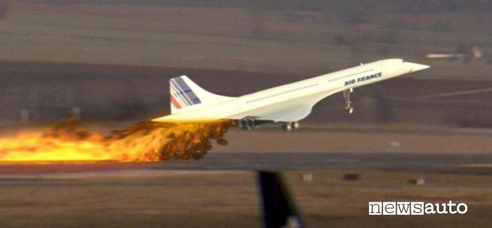 jet supersonico concorde, momento dell'incidente al decollo
