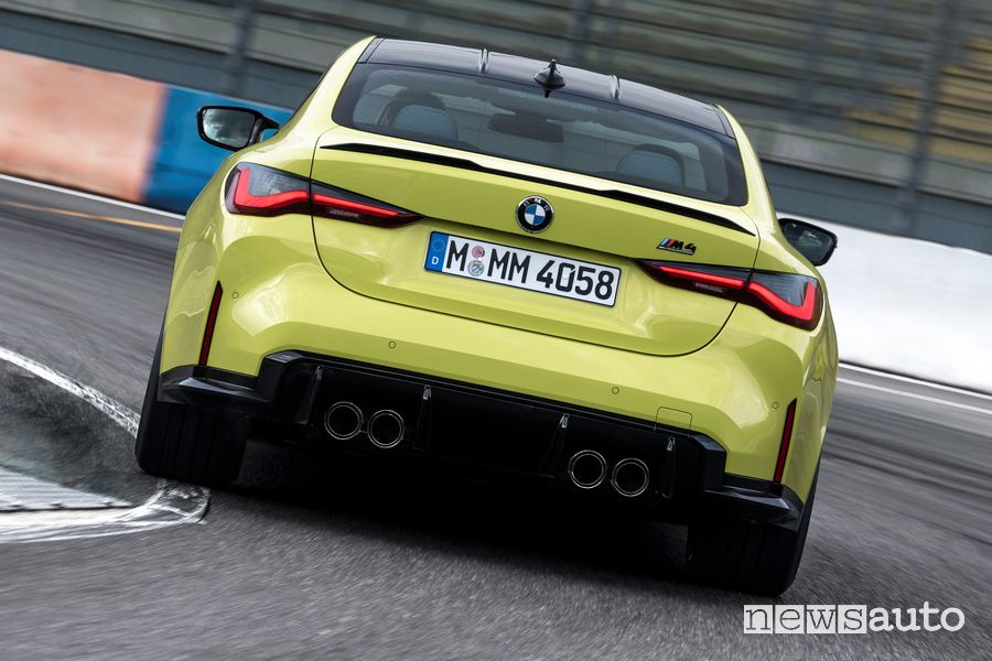 BMW M4 Competition inserimento in curva