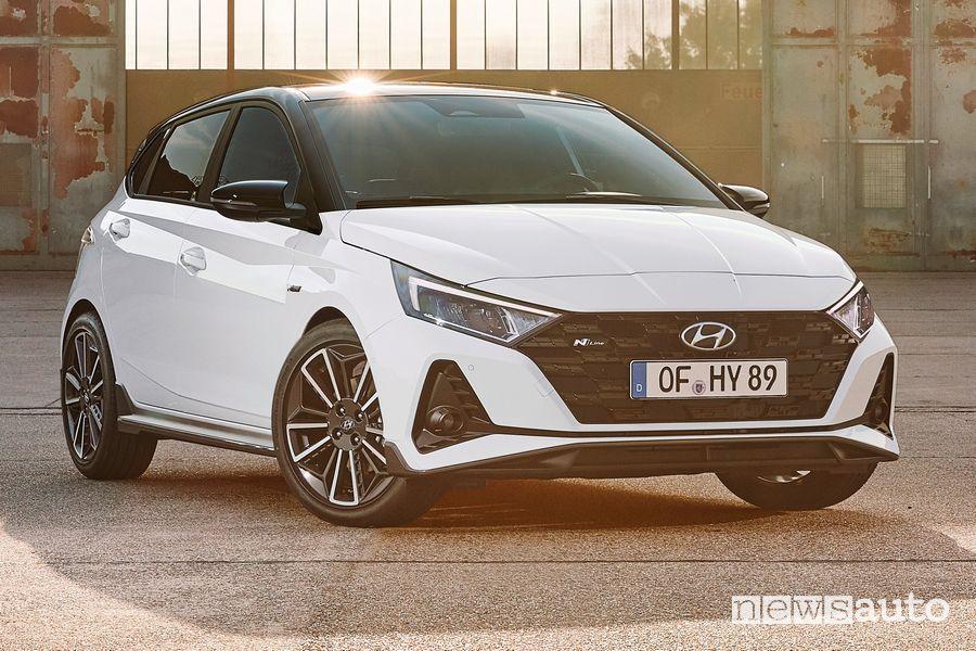 Vista di profilo Hyundai i20 N Line