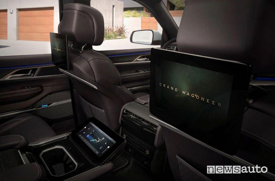 Display sedili posteriori abitacolo Jeep Grand Wagoneer Concept
