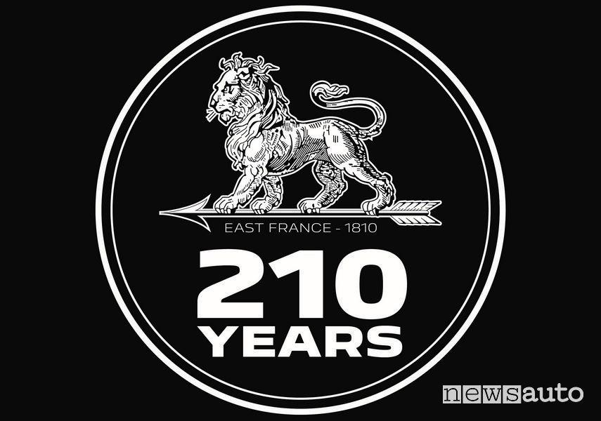 Logo leone celebrativo Peugeot 210 anni