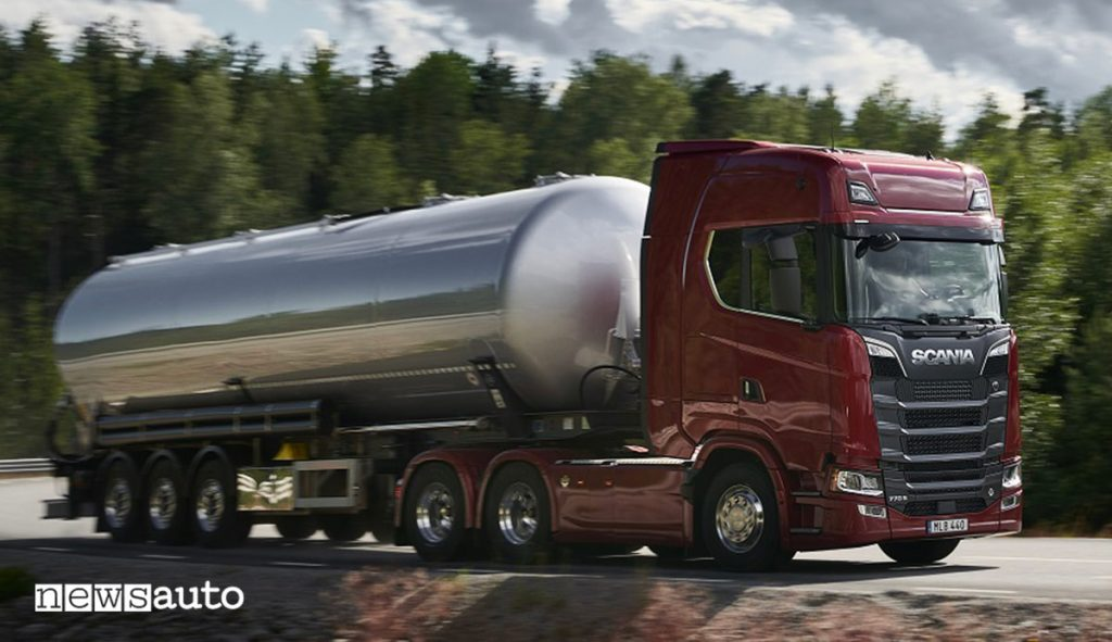 Camion Scania cisterna