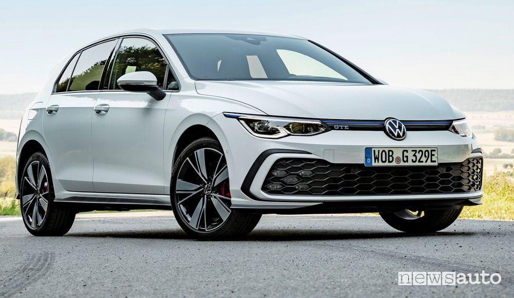 Vista di profilo Volkswagen Golf GTE