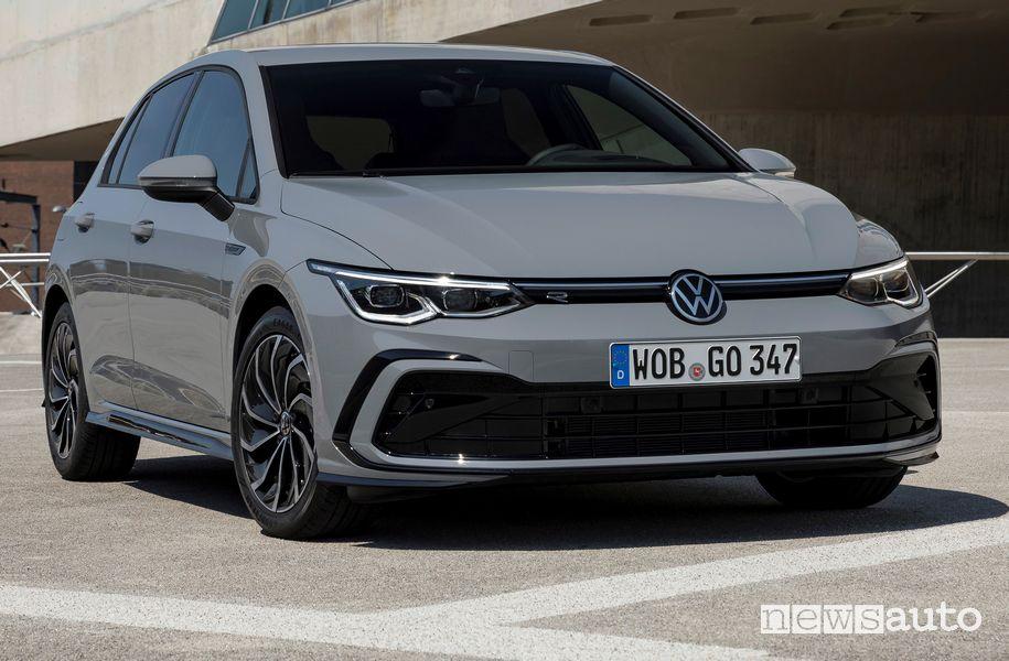 Vista anteriore Volkswagen Golf 1.5 eTSI MHEV