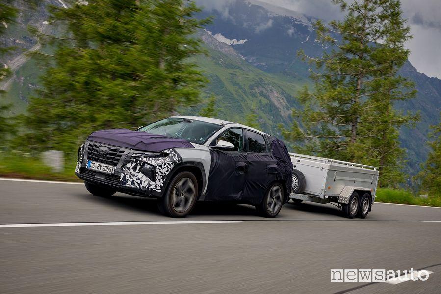 Nuova Hyundai Tuscon capacità di traino in salita, discesa e in curva