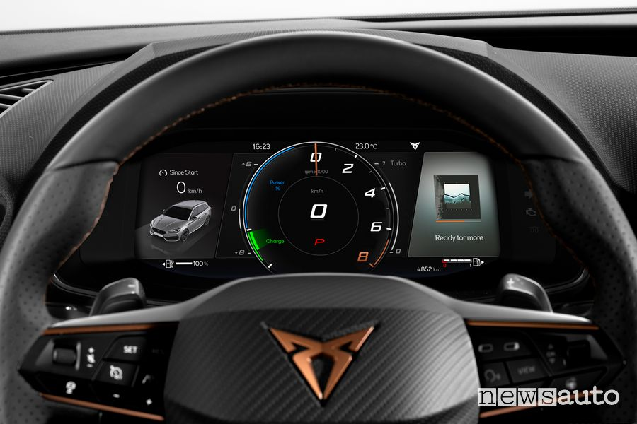 "Virtual Cockpit da 10,25"" abitacolo Cupra Leon eHybrid"