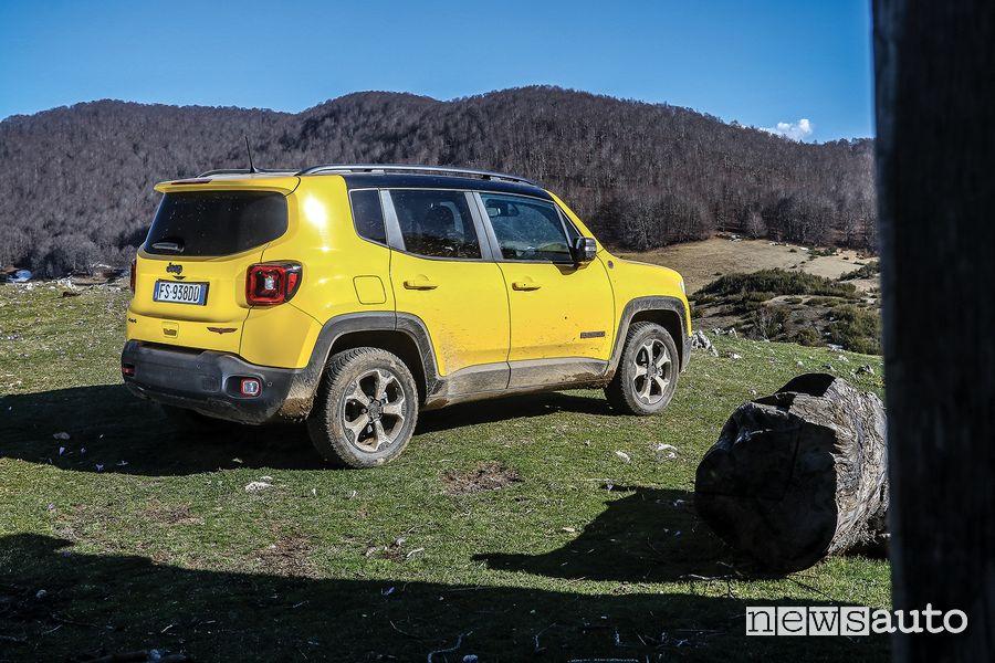 Vista posteriore Jeep Renegade Trailhawk Monti Simbruini in fuoristrada