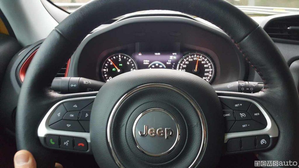 Volante Jeep Renegade sulla Trailhawk