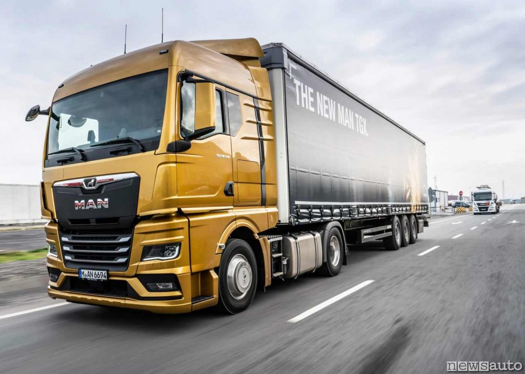 Autocarro trattore MAN TGX