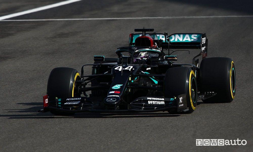 F1 Gp Eifel, vittoria per Hamilton che eguaglia Schumacher