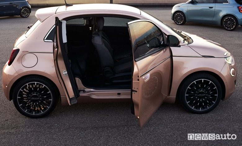 Fiat 500 elettrica 3+1, cosa cambia, caratteristiche, batteria, autonomia e prezzi