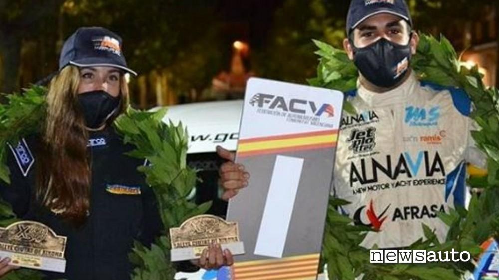 La navigatrice Laura Salvo con il pilota Miquel Socias coinvolti nell'incidente spagnolo al rally