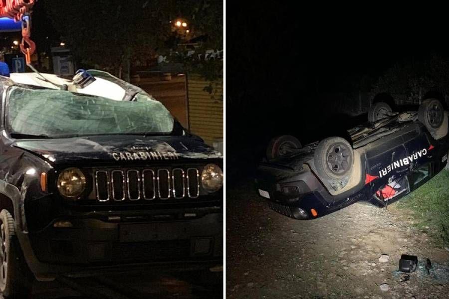La Jeep Renegade dei Carabinieri ribaltata da una ruspa