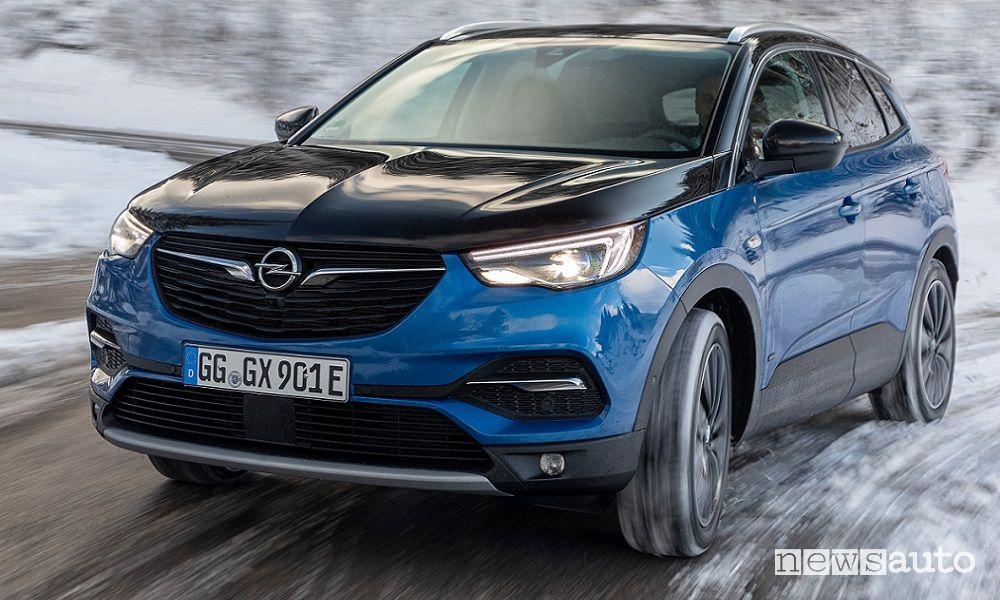 Area C Milano auto ibride ed elettriche accesso Opel Grandland X