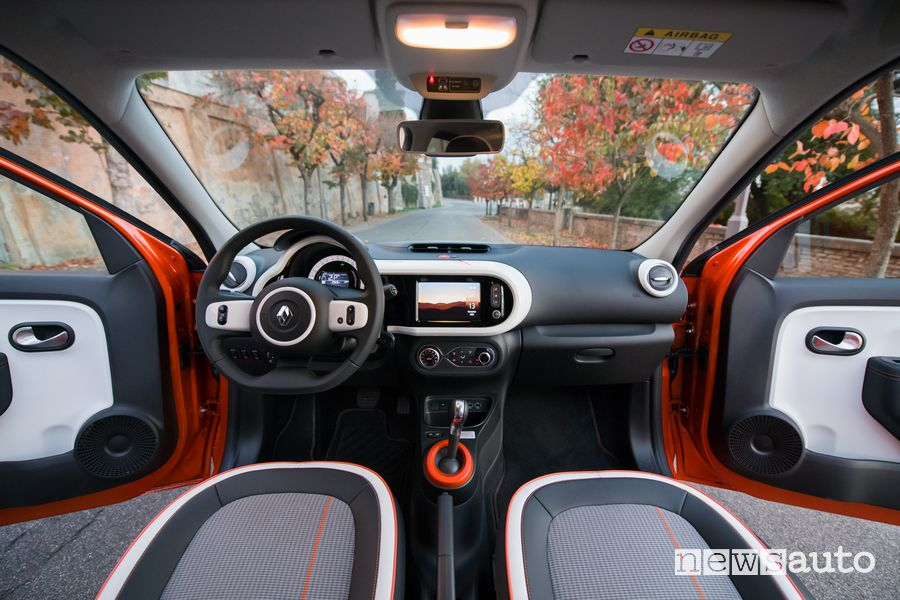 Plancia strumenti abitacolo Renault Twingo Electric serie speciale Vibes