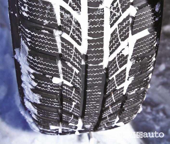 Battistrada pneumatico invernale GT Radial Champiro Winterpro