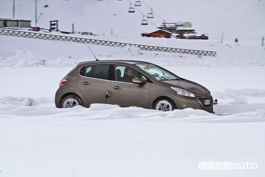Test gomme invernali/estivi GT Radial sulla neve fresca