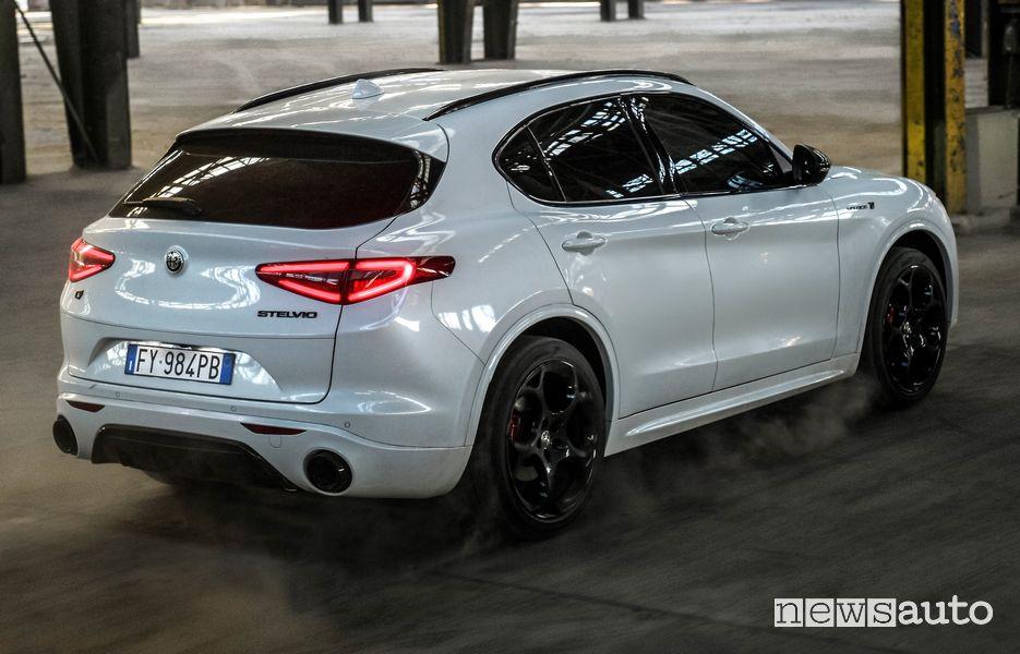 Vista posteriore Alfa Romeo Stelvio Veloce Ti