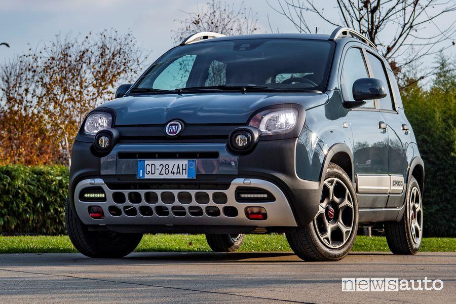 Vista di profilo Fiat Panda Cross