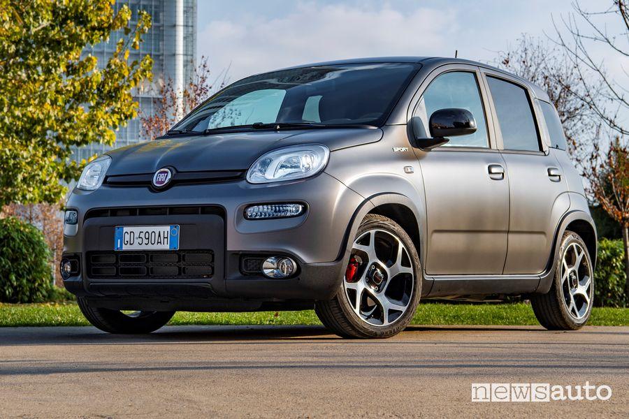 Vista di profilo Fiat Panda Sport