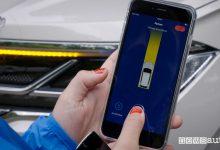 Photo of Parcheggio automatico, la VW Touareg si parcheggia con lo smartphone da remoto