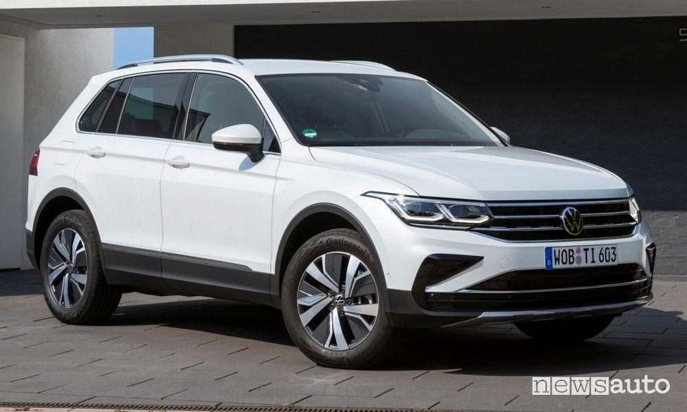 Vista di profilo Volkswagen Tiguan eHybrid