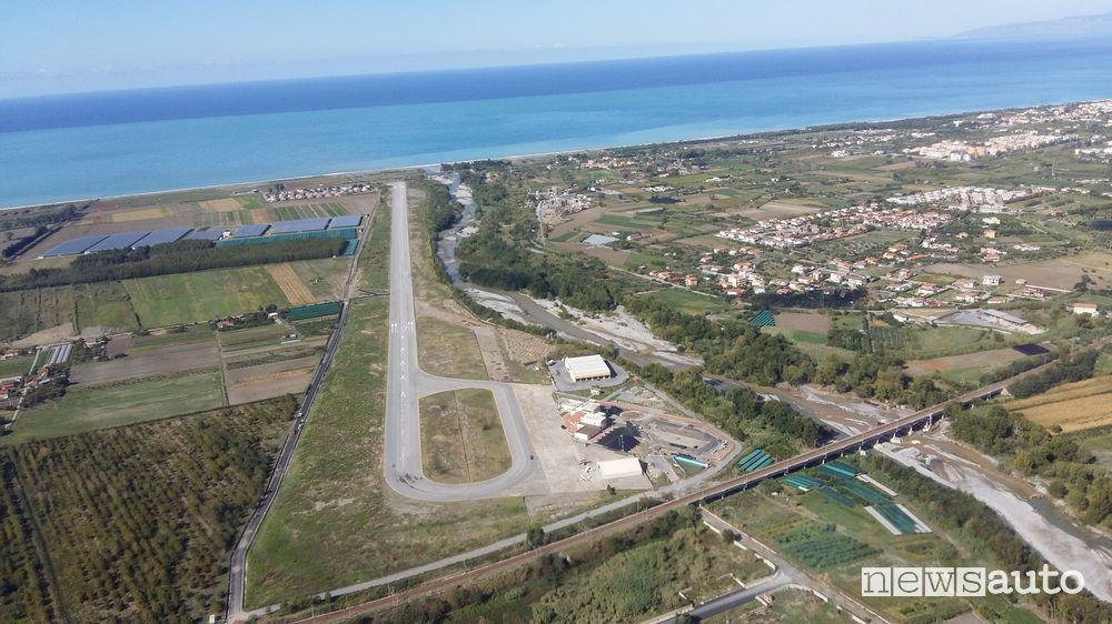 Gara d'accelerazione sui 400 metri all'aeroporto di Scalea