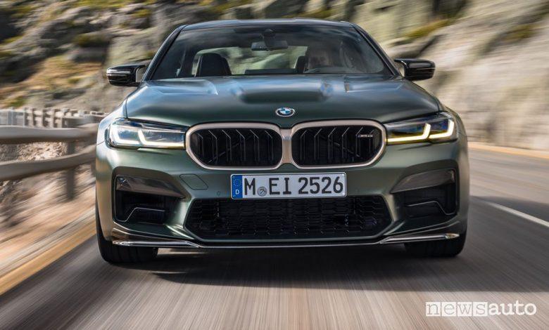 Frontale BMW M5 CS su strada