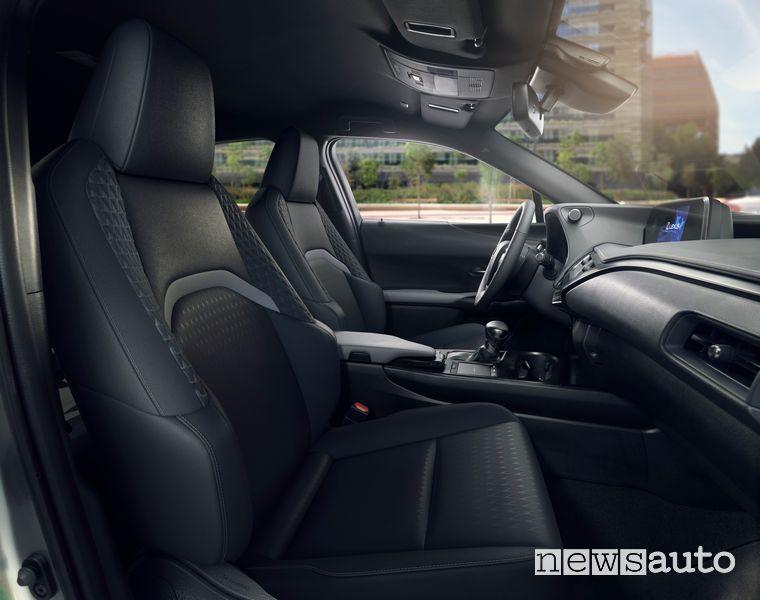 Sedili anteriori abitacolo Lexus UX Hybrid F-Sport