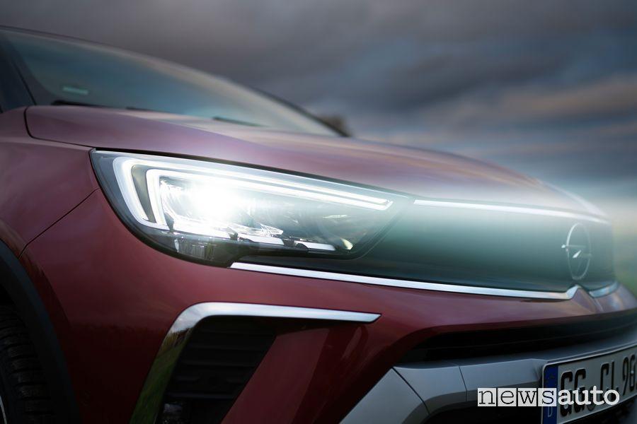 Fari full Led nuova Opel Crossland