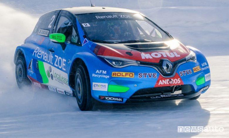 Renault Zoe Glace di traverso sul ghiaccio nell'e-Trofeo Andros