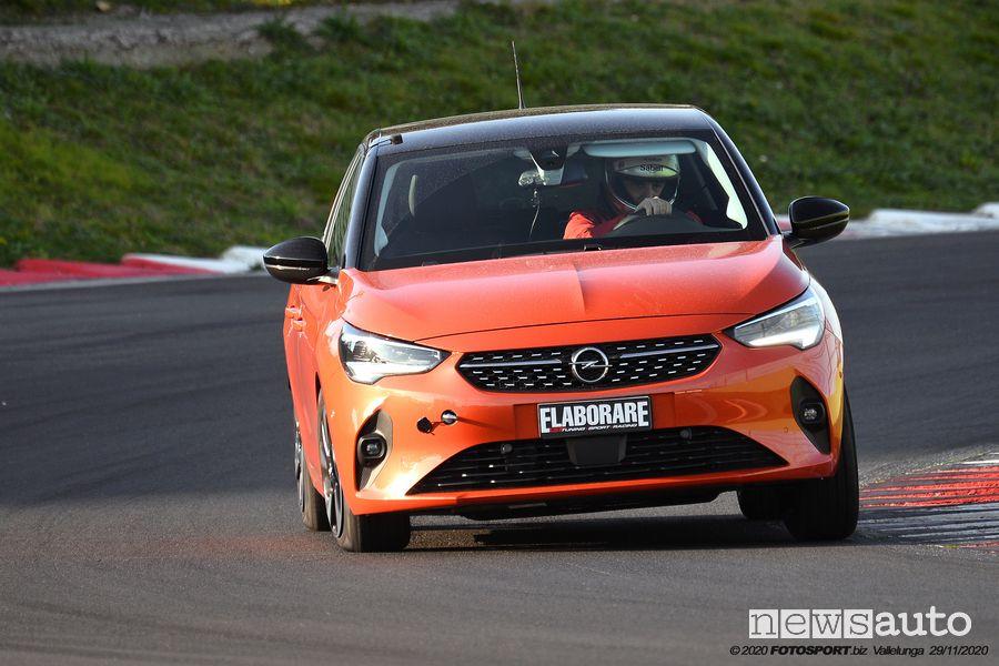 Opel Corsa-e elettrica in pista a Vallelunga