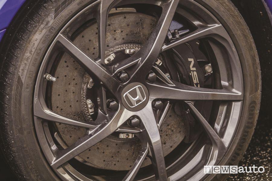 Impianto frenante con dischi carboceramici Honda NSX