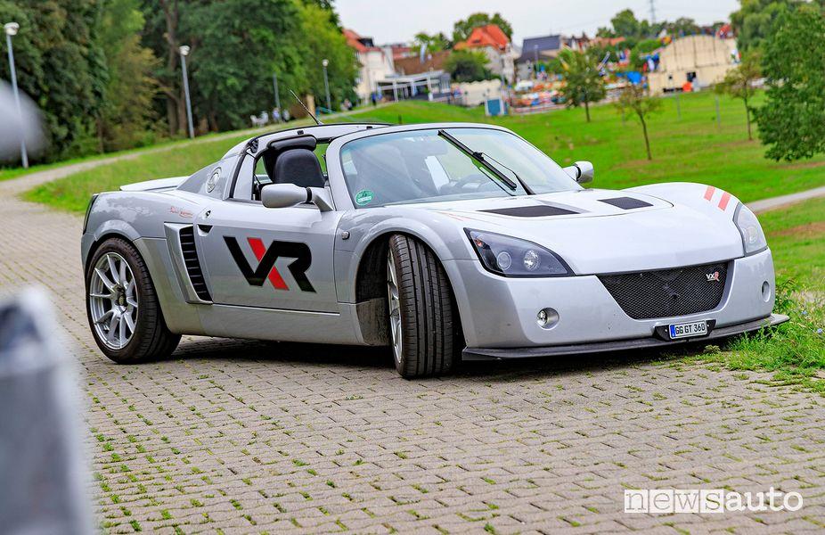Vista di profilo Opel Speedster