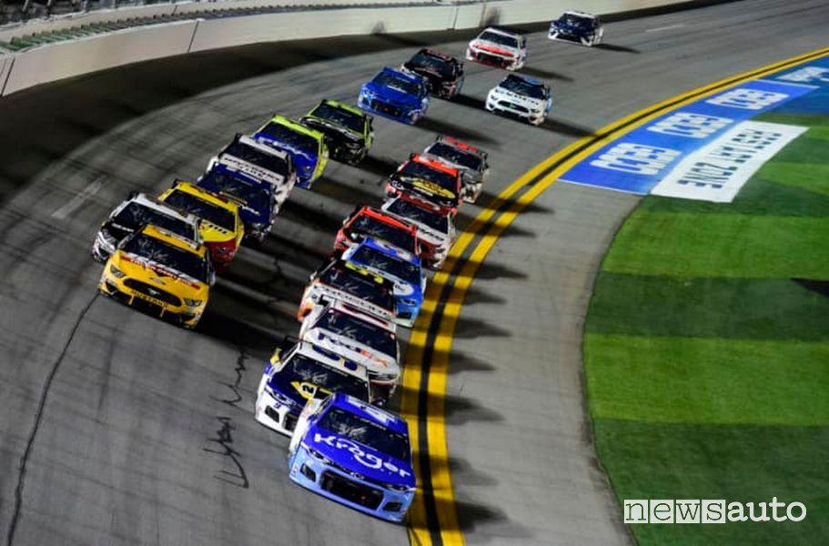 Gara NASCAR sul circuito di Dayotna