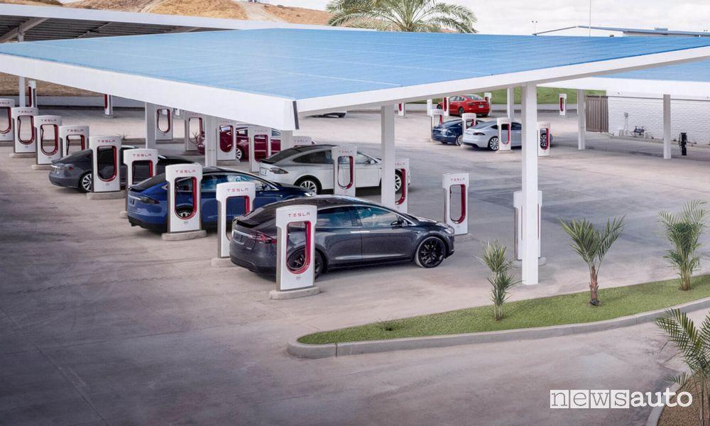 Supercharger Tesla potenza di ricarica
