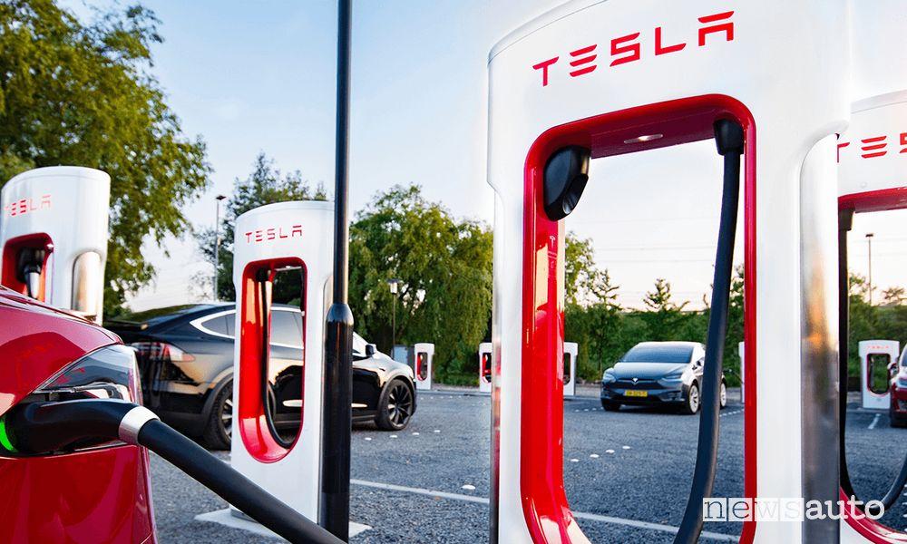 Supercharger Tesla costo