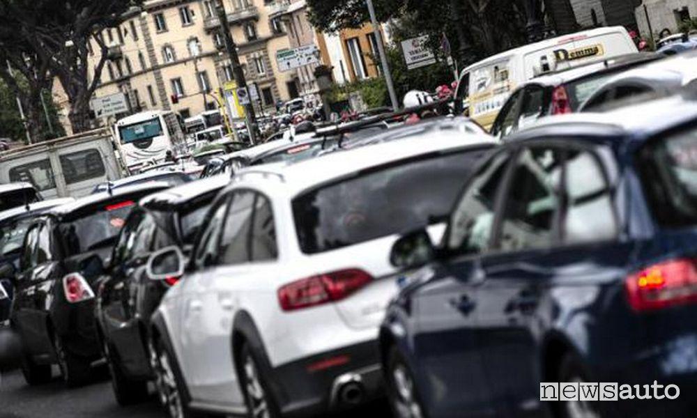 Auto diesel fino ad Euro 4 vietate a Firenze nella Ztl e nella fascia dei viali Gramsci e Matteotti