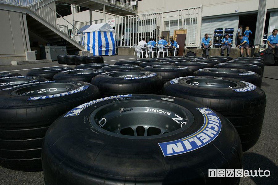 50 anni OZ Racing: ruote F1 nel Gp del Giappone del 2003