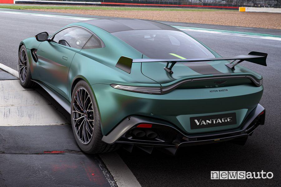 Vista posteriore Aston Martin Vantage F1 Edition coupè