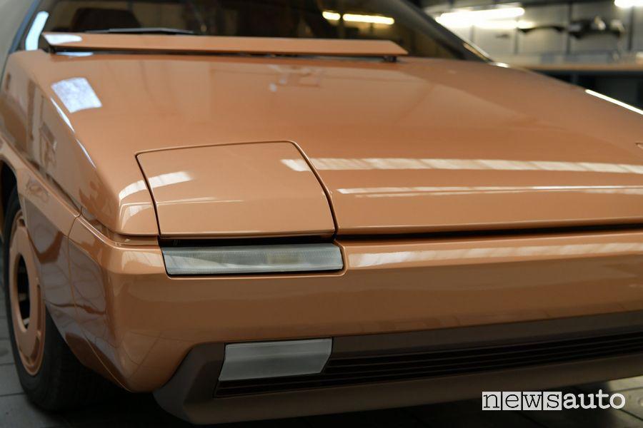 Faro anteriore a scomparsa Mazda MX-81 concept