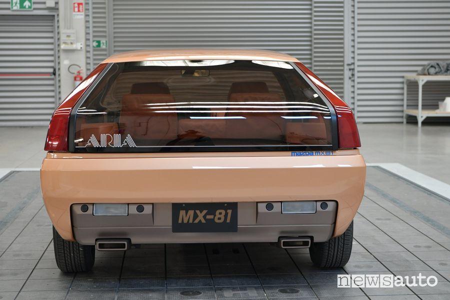 Vista posteriore Mazda MX-81 concept