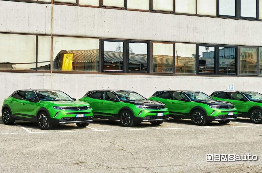 Mamba Green è il nuovo colore per la carrozzeria di Opel Mokka-e