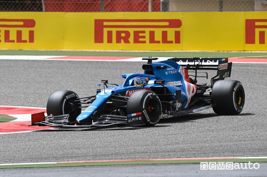 Fernando Alonso al volante dell'Alpine A521