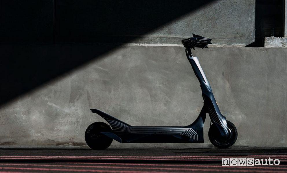 Il monopattino elettrico da corsa eSkootr S1X