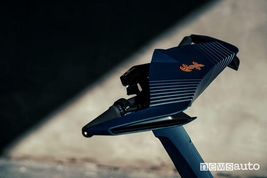 Manubrio spaziale sul monopattino eSkootr S1X da corsa