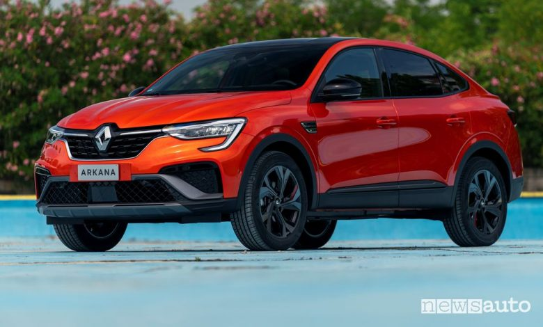 Renault Arkana, caratteristiche e prezzi del SUV Coupé ibrido